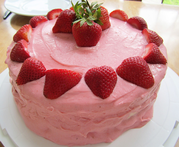 strawberry cream cake with lemon curd whipped cream ...