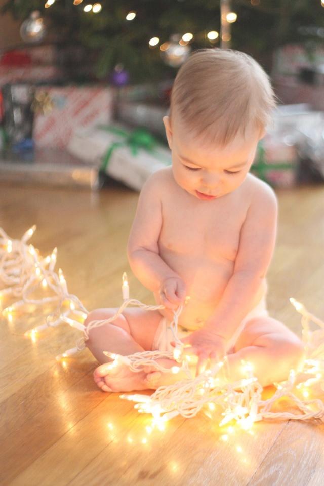 henry christmas lights 4